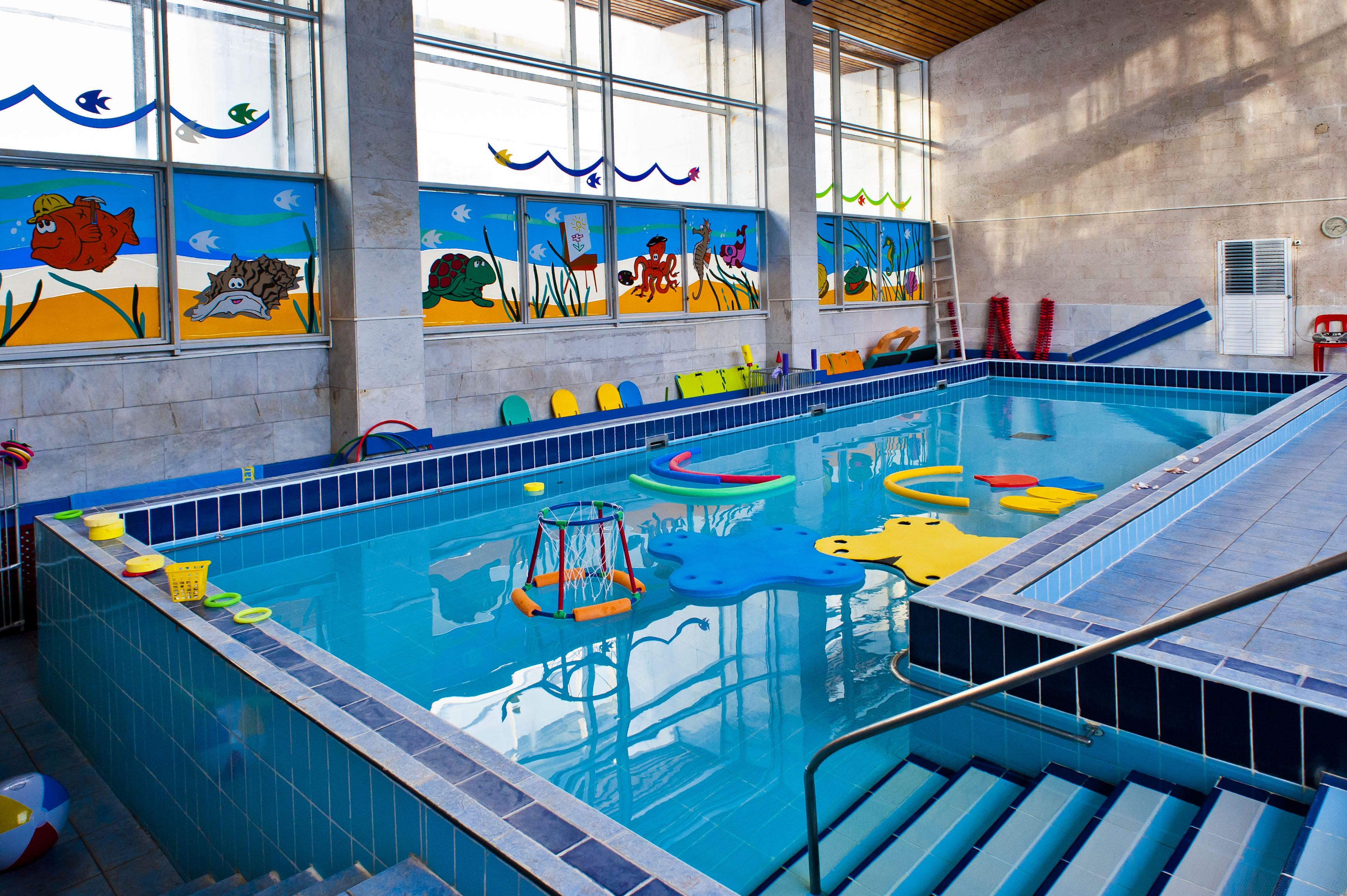 Детский бассейн marina-club